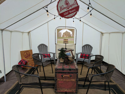 Glamping tent as a lounge